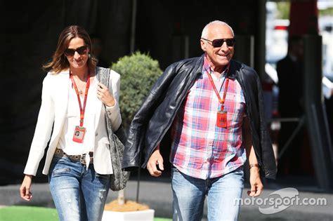 Dietrich Mateschitz, Red-bull-boss, Mit Seiner Freundin Marion Feichtner Bei Gp Spanien