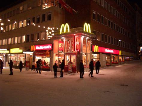 McDonalds Lulea, Sweden | Lulea McDonalds at Christmas ...
