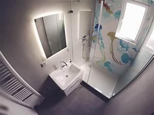 Tapete Im Badezimmer : wohnideen wandgestaltung maler fugenlos im badezimmer ohne fliesen mit tapete in der dusche ~ Sanjose-hotels-ca.com Haus und Dekorationen
