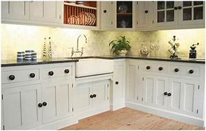 Traditional or Shaker Style Country Kitchens Farmhouse