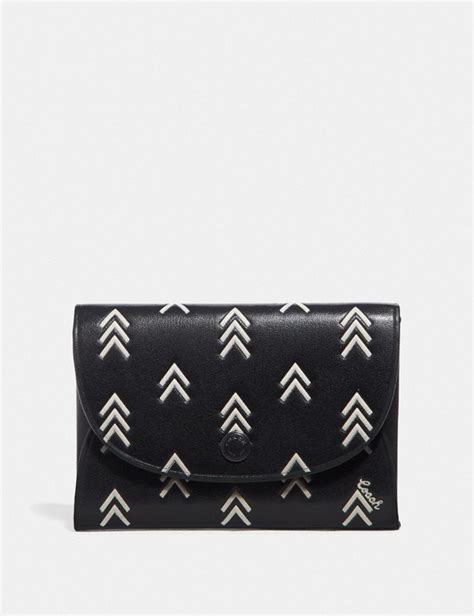 Ключница/ визитница женская michael kors card case. Snap Card Case With Line Arrow Print   COACH
