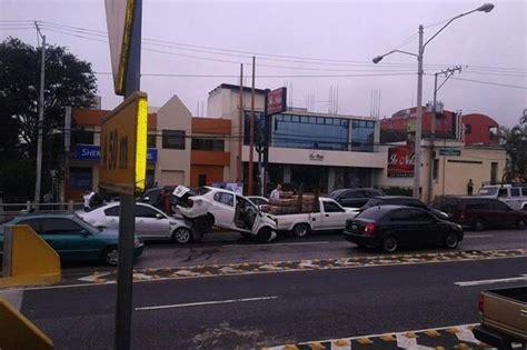 Office Depot Zona 10 by Chocan Cinco Veh 237 Culos En Bulevar Los Pr 243 Ceres
