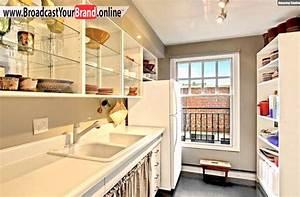 Kleine Küchen Einrichten : kleine k che einrichten klassisch wei glasfronten youtube ~ Indierocktalk.com Haus und Dekorationen