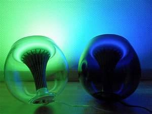 Lampe Philips Living Colors : new cool led lamps second generation of livingcolors ~ Dailycaller-alerts.com Idées de Décoration