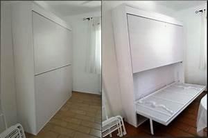 lit et canap dans un studio amnagement petits espaces With nice meuble pour studio petite surface 4 lit escamotable gain de place