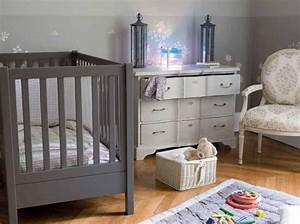 Meuble Chambre Bébé : couleur chambre bebe avec meuble gris taupe meubles gris couleurs chambre et gris taupe ~ Teatrodelosmanantiales.com Idées de Décoration