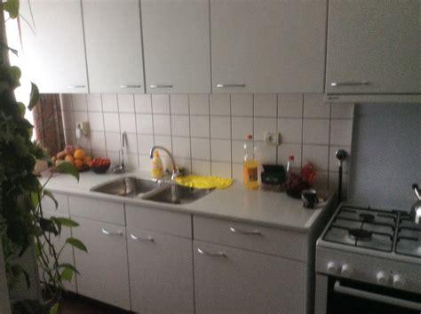 Nieuwe Keuken En Tegels by Keuken Demonteren Tegels Verwijderen En Nieuwe Plaatsen