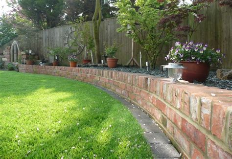 30 brilliant garden edging ideas you can do at home