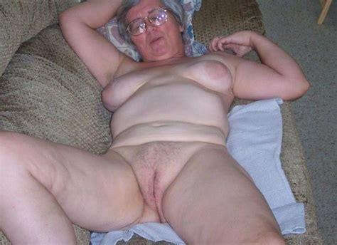 Oma Granny Nude On Couch Xxx Pics Fun Hot Pic