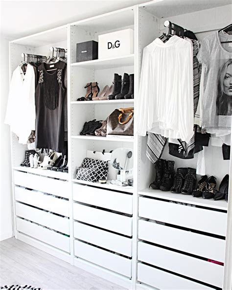 Schlafzimmer Offener Kleiderschrank by White Contemporary Open Closet Wardrobe Instagram Photo
