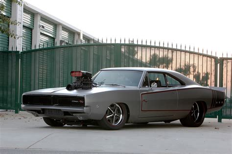 1970s Dodge Charger by Sagan Builds The 1970 Dodge Charger Of His Dreams