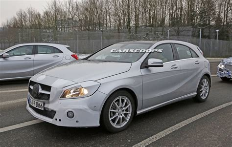 Let's Examine The Facelifted 2016 Mercedes A-class In & Out