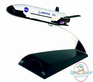 Nasa X-37B Orbital Test Vehicle Diecast Model | Man of ...
