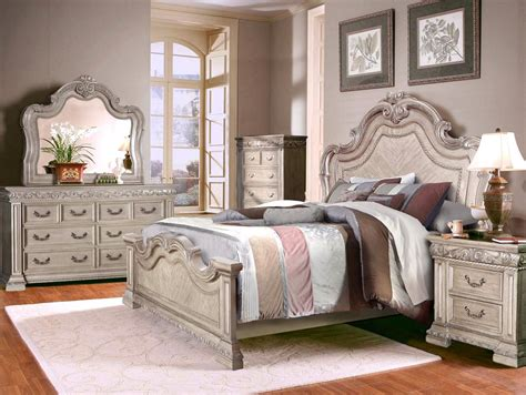 Valentine Antique Style 4 Pc Queen Bedroom Set In Antique