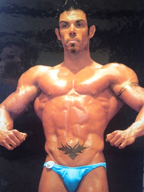 male body image and the pressure to use steroids