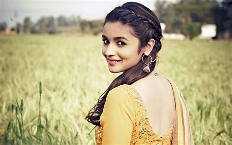 alia bhatt  humpty sharma ki dulhania wallpapers hd