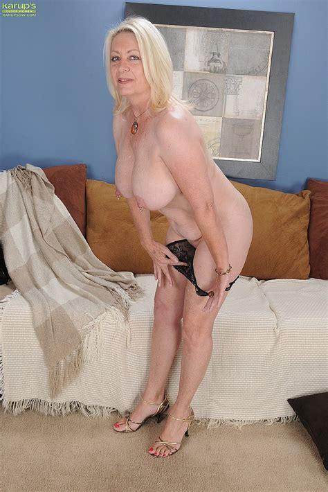 blonde milf angelique tease and undress milf fox