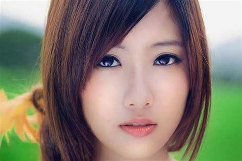 potongan rambut sebahu terfavorit  wanita modern