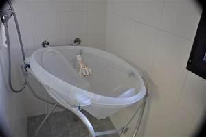 Grande Baignoire Enfant : baignoire bebe adaptable sur baignoire d angle free table langer avec baignoire et rangements ~ Melissatoandfro.com Idées de Décoration