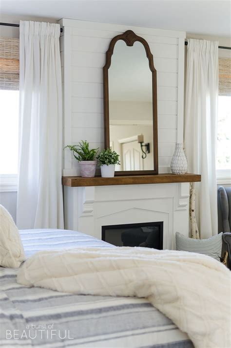 Modern L Shades Bedroom by 17 Best Ideas About Modern Farmhouse Bedroom On