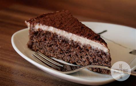 Schoko-mandel Kuchen Mit Cashew-vanille-creme