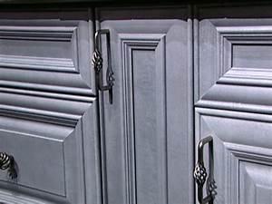 Choosing Kitchen Cabinet Knobs, Pulls and Handles DIY