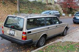 1990 Volvo 240dl Wagon - Old Is Gold