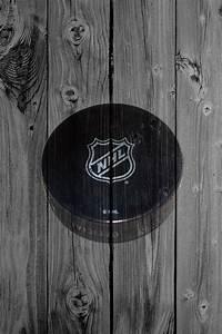 NHL hockey puck iPhone 5 Wallpaper (640x960)