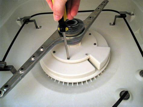 comment debrancher un lave vaisselle comment nettoyer et entretenir un lave vaisselle