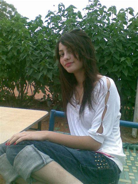 Neelam Muneer Hot Pictures