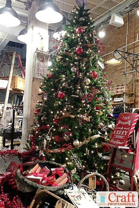 christmas craft fair displays   holiday booth