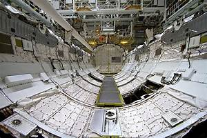 Discovery Space Shuttle Cargo Bay - Pics about space