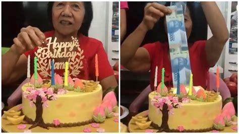 Viral Kue Ultah untuk Sang Ibu di Usia 71 Tahun Terselip