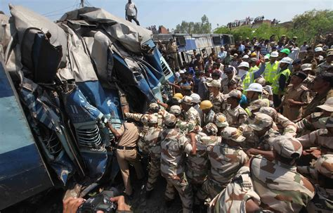 India Train Crash Kills Dozens As Janata Express Derails