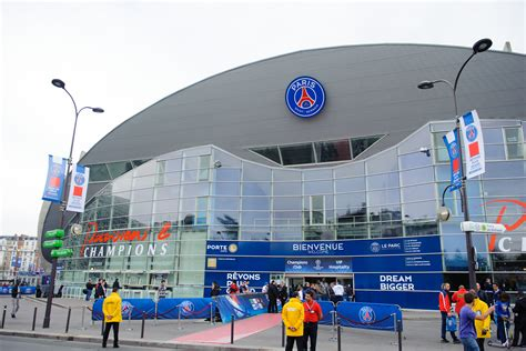 le si鑒e et si le parc des princes était vendu au qatar sg homes clubs ligue 1 football