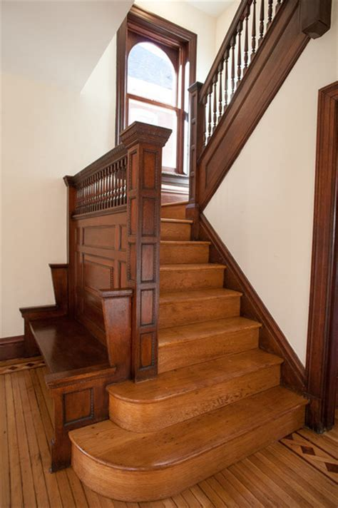 Victorian Foursquare   Traditional   Staircase   st louis