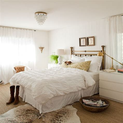 how to decorate white walls decorating bedrooms with white walls