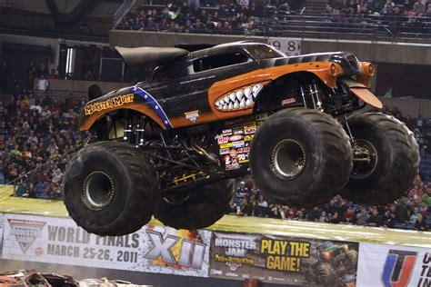 monster trucks video monster mutt rottweiler monster truck monster trucks
