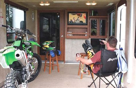 5th Wheel Living Room Up Front by Roaming Times Rv News And Overviews