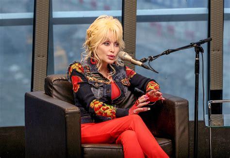 Dolly Parton Announces New CBS Holiday Special A Holly ...