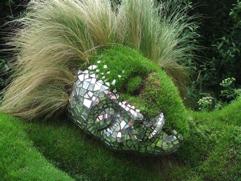 Garden Art : Bowling Ball Garden Art