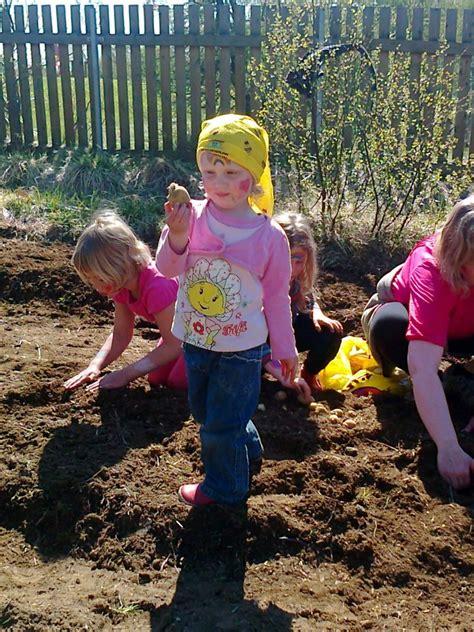 outdoor activities at preschool outdoor learning in the 876 | planting2