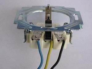 Lampe Anschließen 2 Kabel Ohne Farbe : steckdose anschlie en steckdose installieren steckdose anklemmen ~ Orissabook.com Haus und Dekorationen