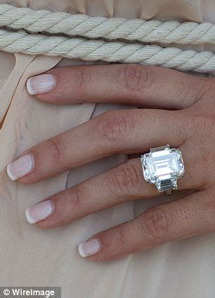 Kris Humphries 'auctions off engagement ring that he gave ...