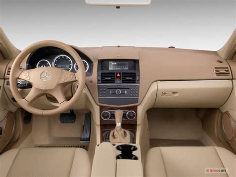 Has navigation and a sunroof! 2010 Mercedes-Benz C-Class Pictures: Dashboard | U.S. News & World Report