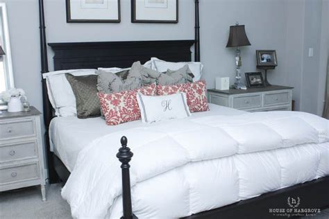 cozy bed   comforter  house  hargrove