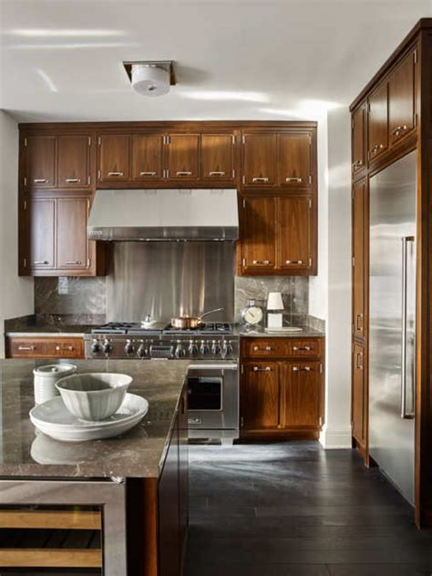kitchens with cabinets and countertops 799 best colorful kitchens images on 9854