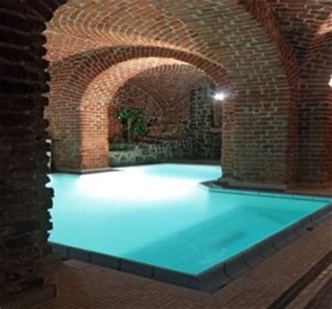 construire une piscine interieure piscine int 233 rieure tout savoir habitatpresto