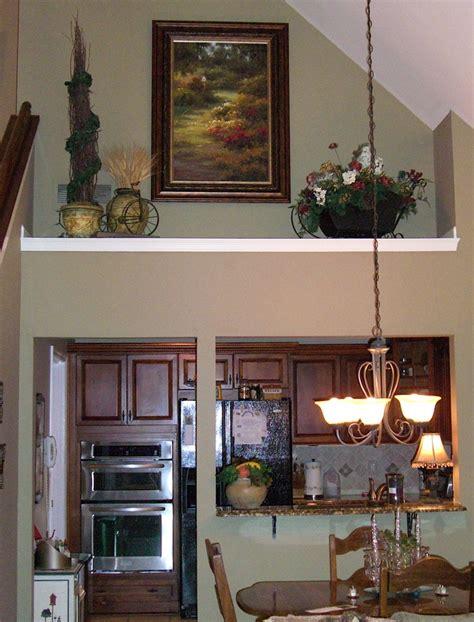 Living room Ledge or shelf decorating