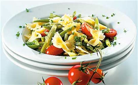 salade de pates pour accompagner un barbecue pastasalate der hit bei jedem grillplausch betty bossi